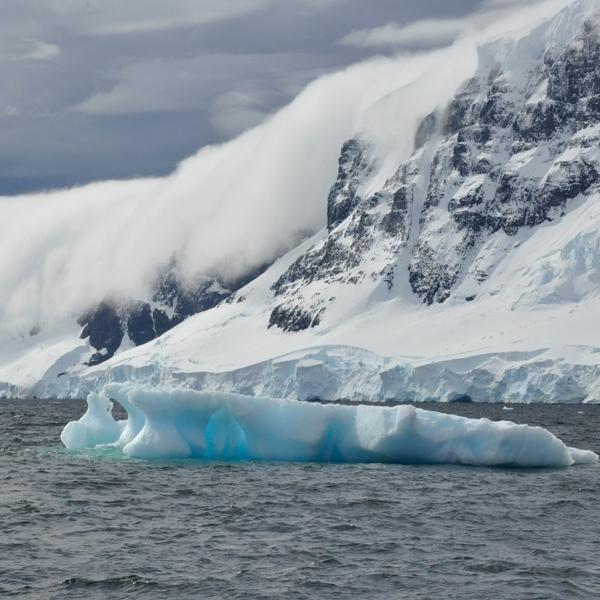 Góry Lodowe na Antarktydzie